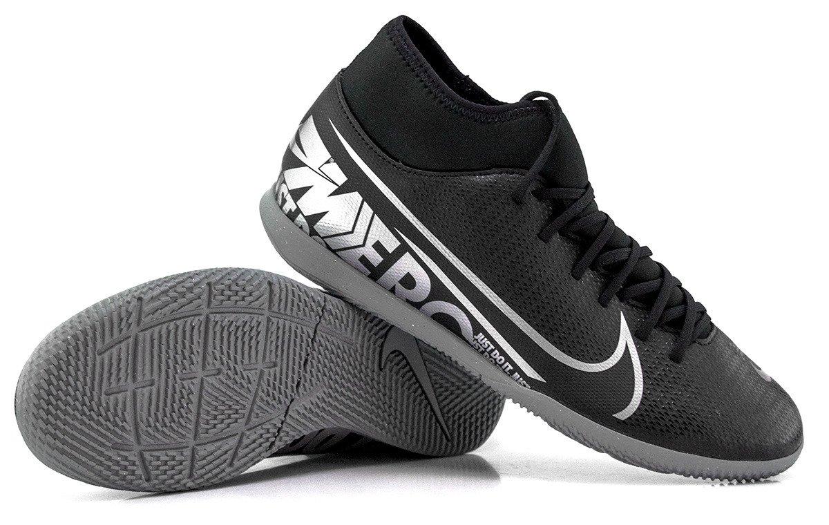 Czarne buty piłkarskie halowe Nike Mercurial Superfly 7 Club IC AT7979 001