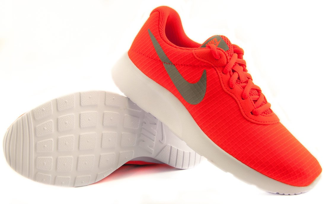 Pomarańczowe buty sportowe damskie Nike Tanjun 844908 801